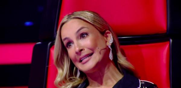 Claudia Leitte ficou com cara de tacho na hora... (Foto: Reprodução/Globo)
